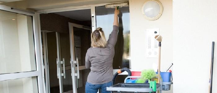 Pour mieux profiter des beaux jours, faites nettoyer vos vitres !